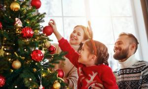 Modern decorated Christmas Tree    Source: JenkoAtaman / Adobe Stock
