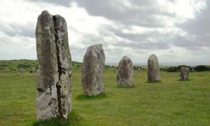 Hidden Fourth Circle at Mysterious 4,000-Year-Old Standing Stones in Cornwall to be Investigated
