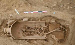 Skeletons in Giant Jars Unearthed at Corsica Necropolis