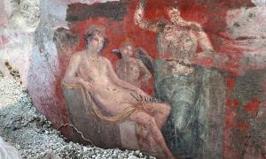 Venus depicted in a painting at the House of the Garden, where the inscription evidencing a new destruction of Pompeii date has been found.