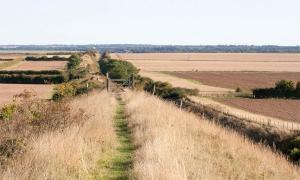 A new report by the local council has highlighted problems being caused by hikers and tourists along the Devil's Dyke in Cambridgeshire. Source: Rob Mills / CC BY-NC-SA 2.0