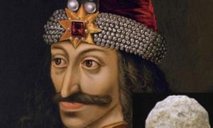 Detail of a portrait of Vlad Ţepeş, the Impaler, Prince of Wallachia (1456-1462) (died 1477). Weapons of this man who inspired the vampire Dracula have been found in Bulgaria. Source: Public Domain