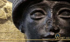 Statue of Gudea, prince of Lagash (long after King Eannatum) neo-Sumerian period, 2120 BC (Public Domain) and a fragment of the Stele of the Vultures (CC BY-SA 3.0);Deriv.