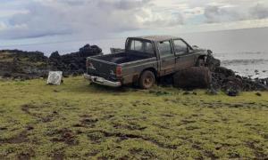 Easter Island moai statue destroyed by truck.            Source: Comunidad Indígena Ma'u Henua