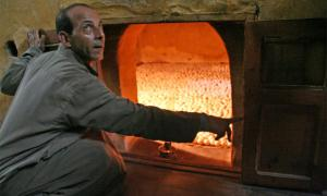 The Egyptian egg ovens are still in use by farmers still over 2,000 years later. Source: Lenny Hoferwerf / Courtesy of Food And Agriculture Organization of the United Nations (2006) / Reproduced with permission
