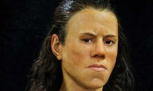 The face of the teenager reconstructed from the 9000-year-old skull found in Greece.