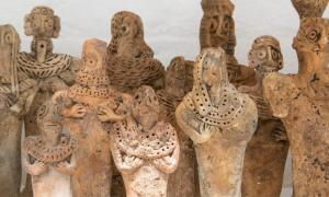 A collection of fake artifacts (figurines) seized by customs at Heathrow.         Source: Trustees of the British Museum