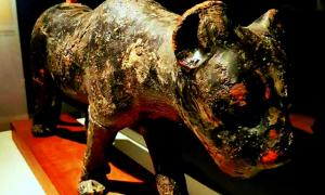 Resin-stained wooden leopard found in the tomb of King Amenhotep II (KV35); design by Anand Balaji