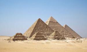 All Giza Pyramids in one shot.