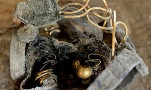 Golden hoard of Roman jewellery