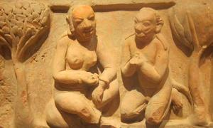 Scene from the Rāmāyaṇa, northwest India, Gupta period, 5th-6th century, terracotta, Honolulu Academy of Arts.
