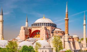 Istanbul's world-famous Hagia Sophia museum to become a fulltime mosque in July 2020      Source: romas_ph/Adobe Stock