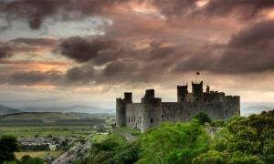 It may not seem like it today, but Harlech Castle is Wales has witnessed Welsh rebellions, the Wars of the Roses and the English Civil War. Source: Darren Tennant / Flickr
