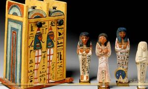 Discovered by Gaston Maspero in 1885–86, this wooden shabti box was inscribed for Paramnekhu, a 'Servant in the Place of Truth' who was a son or grandson of the famous Sennedjem and Iineferti. Families of artisans such as this brought the king's tombs to life. 19th Dynasty. Thebes, Deir el-Medina, Tomb of Sennedjem (TT1).