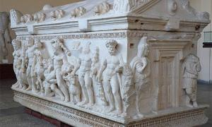 The Fake Hercules Sarcophagus of Tarragona Spain - And The Real Ones