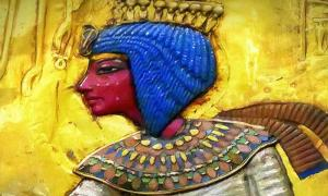 A painted relief of Ankhesenamun; design by Anand Balaji