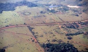 Sá and Seu Chiquinho sites featuring circular, square, and U-shaped earthworks.