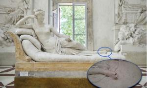 Damaged 19th century sculpture of Paolina Bonaparte by Antonio Canova      Source: Gypsotheca Antonio Canova Museum (Inset, Carabinieri Treviso)