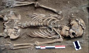 Siberia, couple, Russia, skeletons, human remains, jade, artifacts, Baikal