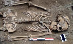 Siberia, couple, Russia, skeletons, human remains, jade, artifacts, Baikal