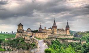 Kamianets-Podilskyi Castle - One of the Seven Wonders of Ukraine