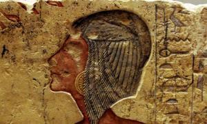 A relief of Kiya, remade from Amarna limestone.