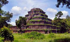 The Koh Ker pyramid, Cambodia.