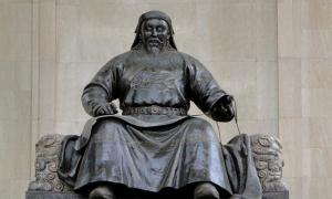 Kublai Khan: Mongol Warrior, Horseman, Hunter and Powerful Emperor
