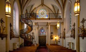 The helix staircase in Loretto Chapel is said to be a miracle.