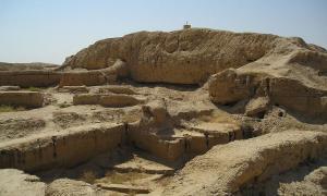 Mari, Syria - A ziggurat near the palace.