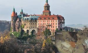 Discovery of a Medieval Well Raises New Questions About Nazis and a Polish Castle