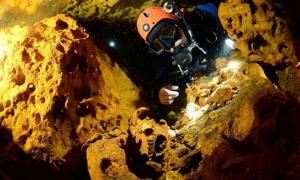 Exploring the Sac Actun submerged caves in Quintana Roo, Mexico.