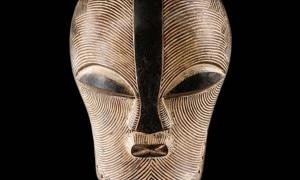 This rare ritual mask fuses together the exotic beauty of Luba with the hypnotic power of Songye art.
