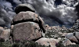 Giant rock structure in Monte Pindo.