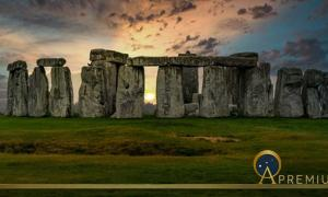 Stonehenge sunset (Terry/ Adobe Stock)