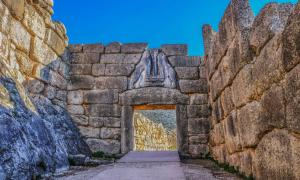 The famous Lions Gate into the hill fortress where Mycenaean armies originated.
