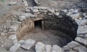Newly-discovered Mycenaean tomb near Amfissa, Greece