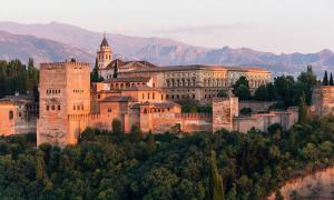 The Nasrid Dynasty Alhambra Palace, Granada, Spain.	 Source: Jebulon / CC0.