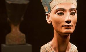 Bust of Nefertiti (ca. 1370 BC – ca. 1330 BC), the Great Royal Wife (chief consort) of the Egyptian Pharaoh Akhenaten.