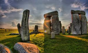 Stonehenge was one of the feasting destinations of the pigs.