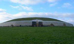 Newgrange: A Home for Magicians, Fairies, Gods, and Kings