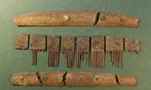The comb was discovered in Ribe, West Denmark.