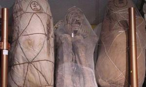 Three of the mummies Leymebamba at the museum.