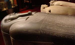 Rest Like an Egyptian: Lifting the Lid on the Elaborate Phoenician Tabnit Sarcophagus
