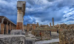 Unexploded Pompeii bombs from World War II may be hidden in the ancient ruins. Source: Evdoha / Adobe Stock.