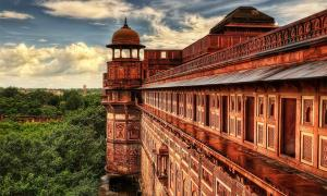 Agra fort, or Red fort, Delhi, India.    Source: Lukas