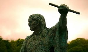 Statue of the Irish hero Red Hugh O'Donnell. Source: rgmcfadden / CC BY-NC 2.0.