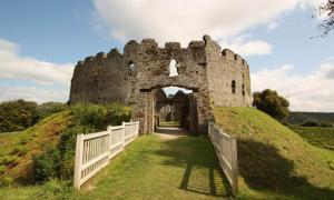 Restormel castle in Cornwall             Source: Richard Croft / CC BY SA 2.0