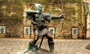 James Woodford's statue of Robin Hood in Nottingham, England