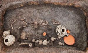 "Roman Baby Burial Challenges ""Unceremonious Disposal"" Dogma"